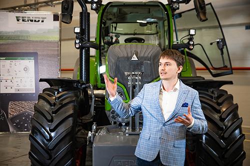 Fendt®ONE— новая цифровая система,  объединяющая трактор иофис